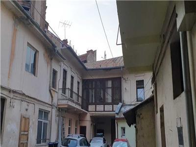 Apartament 4 camere - zona Centrul Vechi